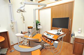 完全個室・キッズスペース完備のため、落ち着いて治療が受けられる!